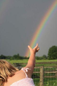 A villanykapcsoló belül van Love Rainbow, Over The Rainbow, Rainbow Colors, Rainbow Magic, Adelia Prado, Rainbow Photography, Rainbow Connection, Somewhere Over, Emotion
