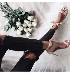 fashion, shoes, and flowers resmi