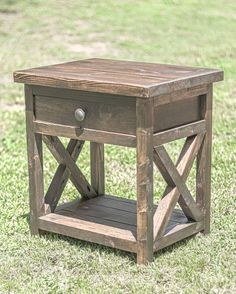 These free end table plans incorporate a drawer. These are easy to build using your Kreg pocket ...