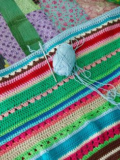 Love these blankets with the mixed stitches and colors!!  @Sanna Puustinen & Sania