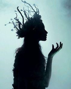 Credit? ♥ #goth #gothgirl #gothgoth #gothic #dark #makeup #gothicmakeup #beautifulgirl #witch #magic #horror #creepy #scary #Halloween #alternative #alt #altmodel #alternativemodel #darkness #fashion #nugoth #instagoth #best