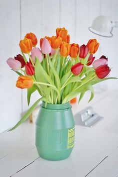 tulips {and other flowers from LaurenConrad.com's spring flower guide}