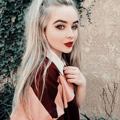 New fashion trends and outfits for teens and young women in spring and summer 2019 Sabrina Carpenter, Ulzzang, Girl Meets World, New Fashion Trends, Dove Cameron, Aesthetic Girl, Celebs, Celebrities, Selena Gomez