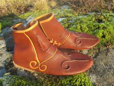 Staraya Ladoga shoes, by Alban. Courtesy of Nille Glaesel