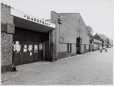 De Markthal aan de Breestraat nr. 23, met het begin van de Markthalstraat (linksaf). Op de achtergrond rechts de Krankeledenstraat.