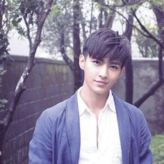 Aaron Yan to leave acting for school