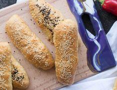 Πανεύκολη κις λορέν - paxxi Hot Dog Buns, Hot Dogs, Greek Cookies, Easy Quiche, Quiche Lorraine, Greek Recipes, Tea Party, Almond, Bread
