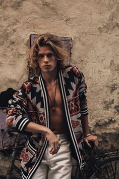 BIEL JUSTE by SONIA SZOSTAK for Reserved Menswear Bohemian Style Men, Ethno Style, Hippie Style, Boho Man, Hippie Men, Boho Fashion, Mens Fashion, Morocco Fashion, New Mode