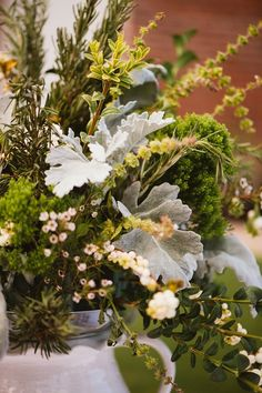 Artquest, Ltd floral design at Elawa Farms in Lake Forest.   Check us out on Facebook and Instagram at artquestltd for more! And be sure to check out Jordan Quinn Photography for more gorgeous photos!
