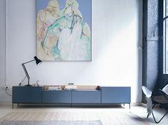 Nueva versión del mueble TV Lauki de Treku con patas metálicas, ¡ya disponible en nuestra shop!