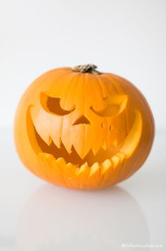 "DIY halloween pumpkin - tutorial with free template by "" I Fall in Chocolate"""