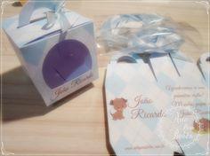 💙💚💜💛Muitas mamães pediram e agora dá para comprar apenas a caixa da lembrancinha!  A caixa vai personalizada com nome do bebê e você escolhe o texto, cor e tema!  Encomende aqui pelo site e receba na sua casa!  👉👉http://bit.ly/caixa-para-lembrancinhas      #gestante #gravidez #baby #maternidade #bebe #mamae #maedemenina #maedemenino #instababy #mae #gestacao #gestação #bebê #lembrancinha #gravidas #chadebebe #gestantes #instamamae #lembrancinhapersonalizada #nascimento #amordemae…