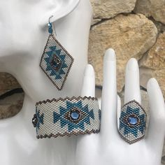 Saint Valentin... une création ketikoparis pour la fêter Ketikoparis.Com #jewelry #jewelryaddict #bijoux #miyuki #createur #faitmain #bracelet #ring #earrings #gift #giftforher #miyukibracelet #jewelrydesigner #jewelrylover #jewelrysale #ketikoaddict #handmade #fashion #beads #designer #amerindien #ketikoaddict #saintvalentin #valentineday #strass