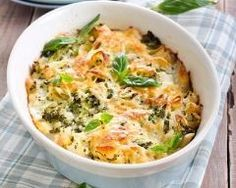 Gratin de coquillettes au brocoli et chou-fleur : http://www.cuisineaz.com/recettes/gratin-de-coquillettes-au-brocoli-et-chou-fleur-79468.aspx