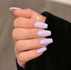 Imagem de lilac, nails, and purpleYou are in the right place about toe nail ideas Here we offer you the most beautiful pictures about the nail ideas neutral you are looking for. When you examine the Imagem de lilac, nails, and purple part of the pi Purple Acrylic Nails, Acrylic Nails Coffin Short, Best Acrylic Nails, Coffin Nails, Simple Acrylic Nail Ideas, Light Purple Nails, Nail Pink, Orange Nail, Lilac Nails With Glitter