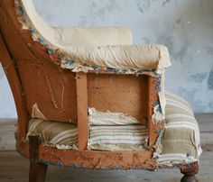 """I've got some old """"Frenchy"""" chairs. via la Brocanteuse: Eloquence Vintage Furniture, Outdoor Furniture, Outdoor Decor, White Porch, Porch Wall, Antique Chairs, French Vintage, French Antiques, Upholstery"""