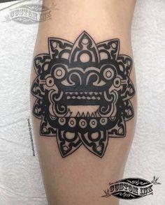 Quetzalcóatl inspirado en la obra de AdriArte. Top con los mejores tatuajes prehispánicos