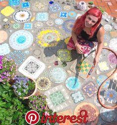 topp-creative & & Diy Garten www.topp-creative & & Diy Garten The post www.topp-creative & & Diy Garten appeared first on Look. Mosaic Projects, Garden Projects, Terrasse Design, Mosaic Stepping Stones, Stepping Stones Kids, Colorful Garden, Easy Garden, Stone Art, Mosaic Art