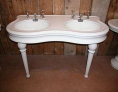 French double sink basin