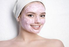 Eliminate Your Acne Tips-Remedies - DIY Facials To Remove Acne Spots - Free Presentation Reveals 1 Unusual Tip to Eliminate Your Acne Forever and Gain Beautiful Clear Skin In Days - Guaranteed! Homemade Face Pack, Remover Manchas, Diy Masque, The Face, Acne Spots, Skin Spots, Best Face Mask, Homemade Facials, Homemade Face Masks
