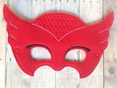 Pj Masks Owlette Handmade Mask I had so much fun making these that I am sure y ou'll have as much fun wearing it. Little ones love to dress-up for playtime or Pj Masks Owlette Costume, Pj Masks Costume, Diy Costumes, Holidays Halloween, Halloween Party, Halloween Masks, Festa Pj Masks, Hallowen Ideas, Mask Party