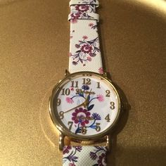 Fashion watch Perfect for spring watch  brand new in package Accessories Watches