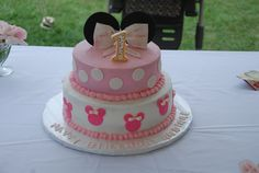 Minnie Mouse B'day cake