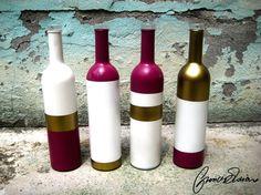 Bottiglie Colorate - Glass Flowerpot  Bottiglie colorate con colori acrilici vivaci e giovanili. Possono essere un oggetto di design colorato che darà un tocco di allegria e stile alla vostra casa, ma posso anche essere utilizzate come porta fiori o candelabri. L'oggetto non può essere lavato in lavastoviglie.  Le bottiglie sono vendute in serie da 4 ma si possono acquistare anche singoli pezzi (12€ cad.)