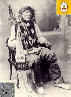 White Eagle was the principal chief of the Poncas who remained in Oklahomain 1877 when Standing Bear and other Poncas journeyed north to bury Standing Bear's deceased son in their homeland along the Niobrara River in Nebraska. Native American Images, Native American Beauty, Native American Tribes, Native American History, Native Indian, First Nations, Nativity, Homeland, Plains Indians