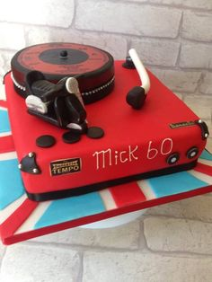 Record player cake Scooter