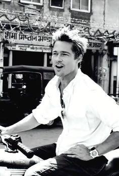 Brad Pitt enjoying the day ~~