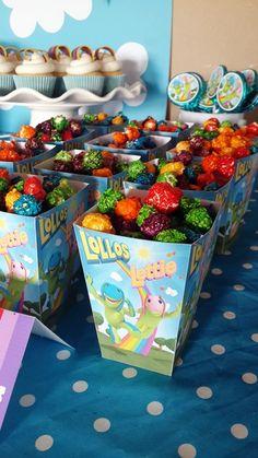 Lollos Popcorn Boxes with Rainbow Popcorn