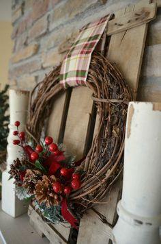Easy DIY Christmas Wreath. Farmhouse Christmas decor.