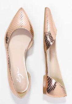 Dieser glänzende Begleiter weicht nicht mehr von deiner Seite. Zign Klassische Ballerina - rose gold für SFr. 75.00 (15.03.16) versandkostenfrei bei Zalando.ch bestellen.