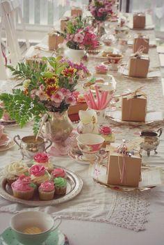 New garden party table setting high tea ideas Tee Sandwiches, Finger Sandwiches, Buffet Dessert, Vintage Tee, Vintage Party, Vintage High Tea, Vintage Tea Parties, Vintage Silver, Afternoon Tea Parties