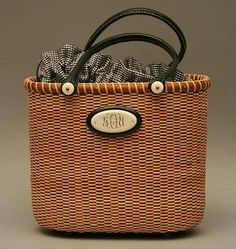 """The """"Molly"""" Tote by Lisa Ahern. One of our best sellers by Lisa, this little tote basket adds a contemporary look to the Nantucket bask. Old Baskets, Wicker Baskets, Nantucket Baskets, Jeweled Shoes, Basket Bag, Weaving Art, Basket Weaving, Purses, Emotion"""