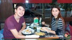 Martes de chicas, cumples, amigos, parejas, familias... y muchos platos ricos en Lo de Carlitos!!