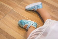 An online storefront selling sparkly baby shoes handmade from Thailand. Our shoe desgins are festive and seasonal! Aqua Marine, Baby Blue, Ballet Shoes, Baby Shoes, Handmade, Pictures, Ballet Flats, Hand Made, Ballet Heels