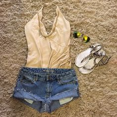 """Michael Kors Sz 6 studded Jean shorts 99% cotton-1% spandex-handmade cut & fray look-Wear Frayed or Folded for 2 different looks-waist:15"""" (laying flat)-length:8"""" (folded)-9.5"""" (frayed)-SHORTS ONLY!! Michael Kors Shorts Jean Shorts"""