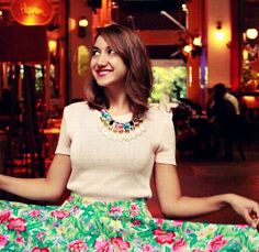 Handmade Petit Tesoro colorful gemed necklace in a romantic vintage style! Vintage Style, Vintage Fashion, Crochet Necklace, Romantic, Colorful, Handmade, Hand Made, Fashion Vintage, Crochet Collar