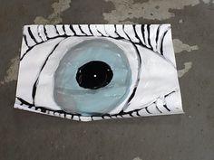 Porque eu vi uma foto quemse paresia com um olho e eu quis fazer Marina Z