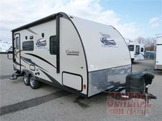 This 2014 Coachmen Freedom Express ultra lite model 192RBS travel trailer provides exactly what you need to take your camping to the next level.