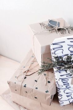 Christmas Wrapping (picture by Folk & Fest)