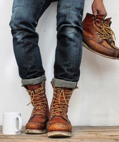 (notitle) The post (notitle) & Red Wing Boots appeared first on Mens Style . Denim Boots, Jeans And Boots, Leather Boots, Hipster Shoes, Style Hipster, Mens Hipster Boots, Red Wing Boots, Abercrombie Men, Mens Boots Fashion