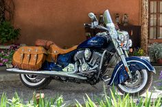 2014 Indian Motorcycles-indian-chief-vintage-static-right-blue_intext ...