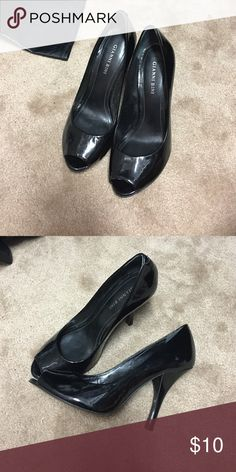 Gianni Bini peep toe heels Peep toe, black approx 3 1/2 in heel Gianni Bini Shoes Heels