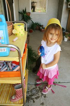Organized kid play station {click through, link OK}