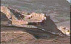 + - Teria o jipe-sonda Curiosity da NASA tirado uma foto do que os caçadores de OVNIs estão chamando de 'muralha em Marte'? Seria esta outra peça de evidência, a qual prova que estamos olhando para os restos de uma civilização alienígena que uma vez prosperou em Marte? Você já pensou na possibilidade de que …