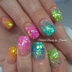 🌈 Rainbow Nails 🌈 Lovvvve this set 😍 Sparkly Nails, Fancy Nails, Glitter Nails, Cute Nails, Pretty Nails, Bright Nails, Neon Nails, Cute Acrylic Nails, Square Oval Nails