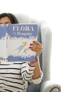 Flora and The Penguin | Why This Wordless Picture Book Is The Best + Giveaway